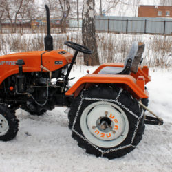 Snow chains on the minitractor wheel