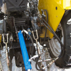 Hydraulic traction