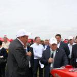 Комсомольская правда: «Дайте хозяину мини-трактор,   и он накормит себя, да еще и заработает»